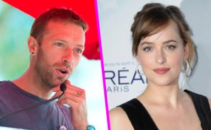¿Dakota Johnson y Chris Martin juntos? Descubren a la actriz en concierto de Coldplay en La Plata