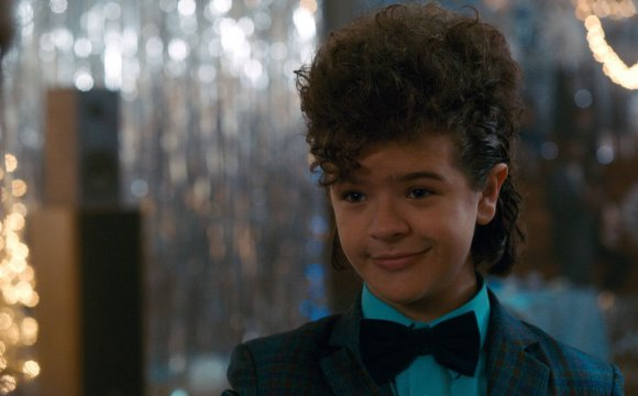 Dustin de 'Stranger Things' sorprende con covers de Foo Fighters y Paramore