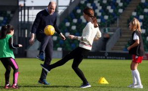 VIDEO | Kate Middleton es mejor futbolista que el príncipe William y este registro lo comprueba